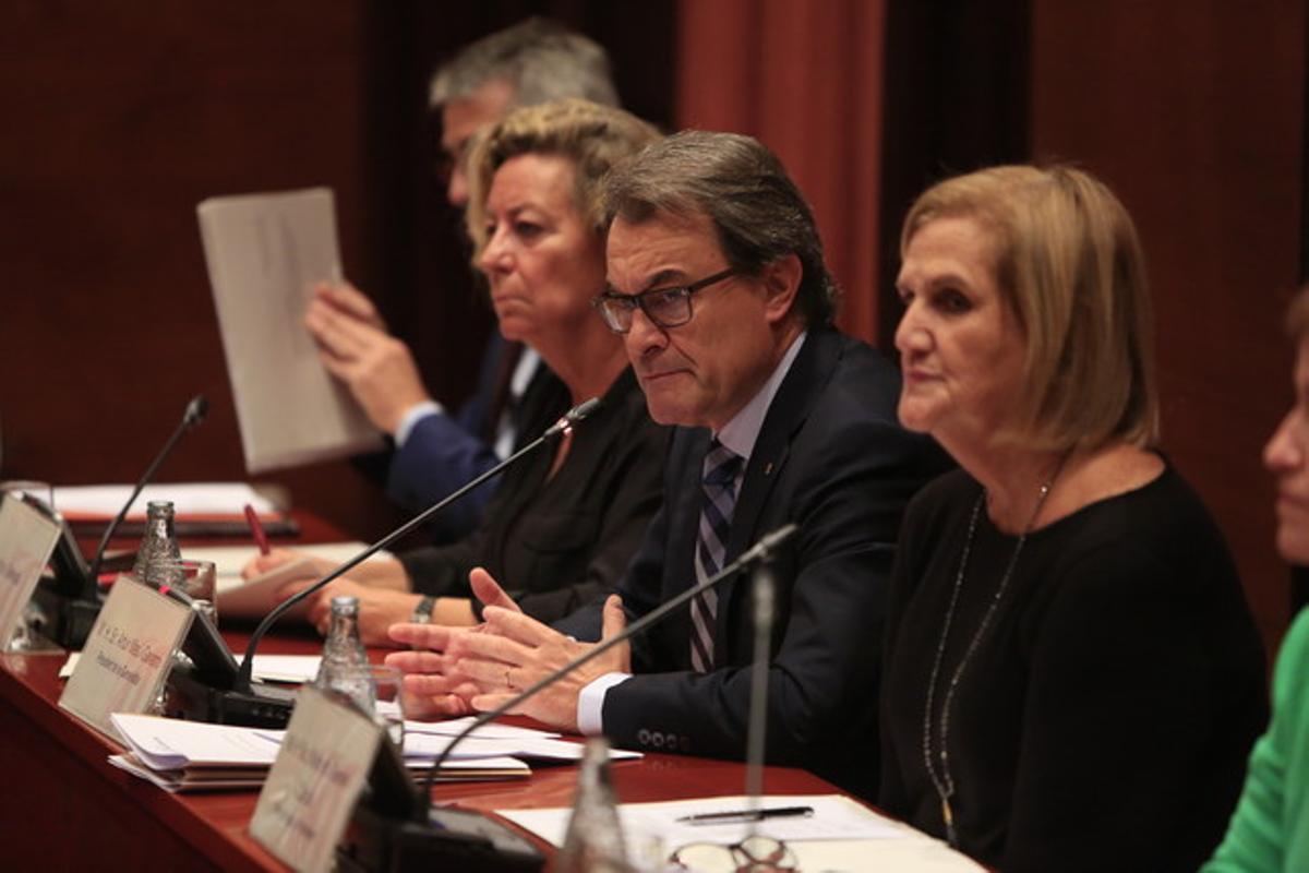 Artur Mas, este viernes, durante su comparecencia ante la Diputación Permanente del Parlament.