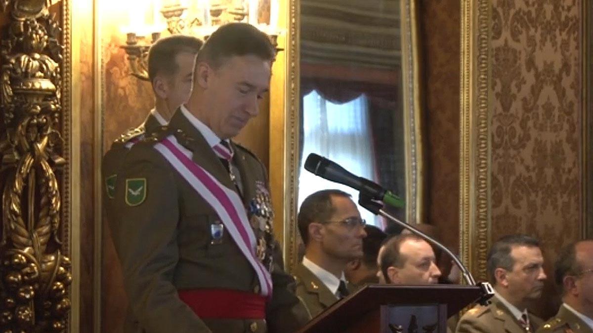 El inspector general del Ejército en Catalunya, Fernando Aznar Ladrón de Guevara, alude a los Mossos en su discurso en la Pascua Militar.