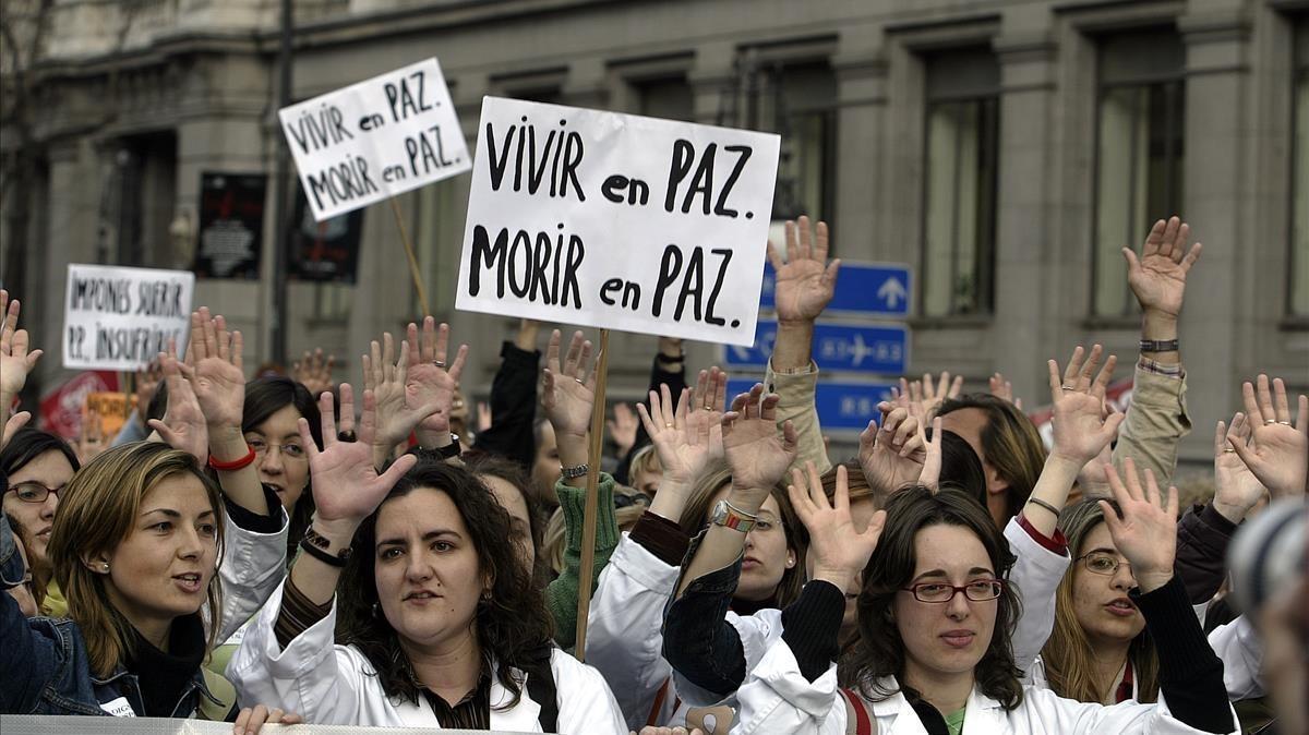 Manifestación en Madrid en defensa del derecho a morir con dignidad.
