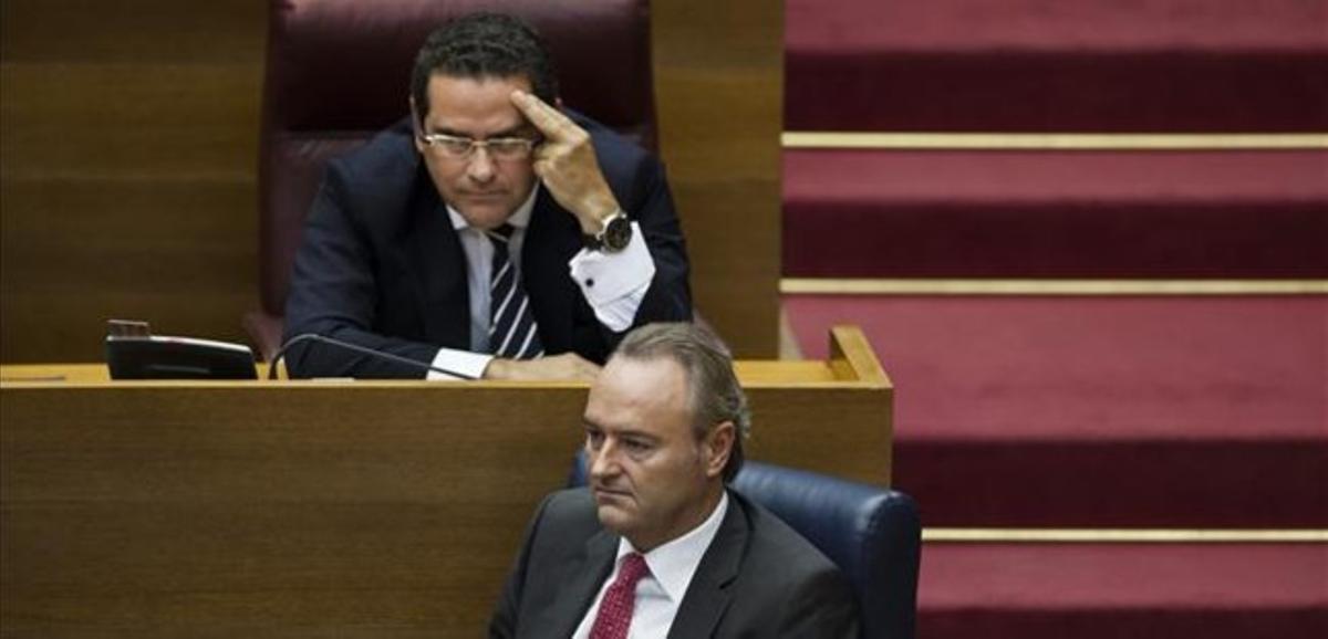 El portavoz del PP en el Parlamento valenciano, Jorge Bellver, y el presidente Alberto Fabra, en una imagen de archivo.