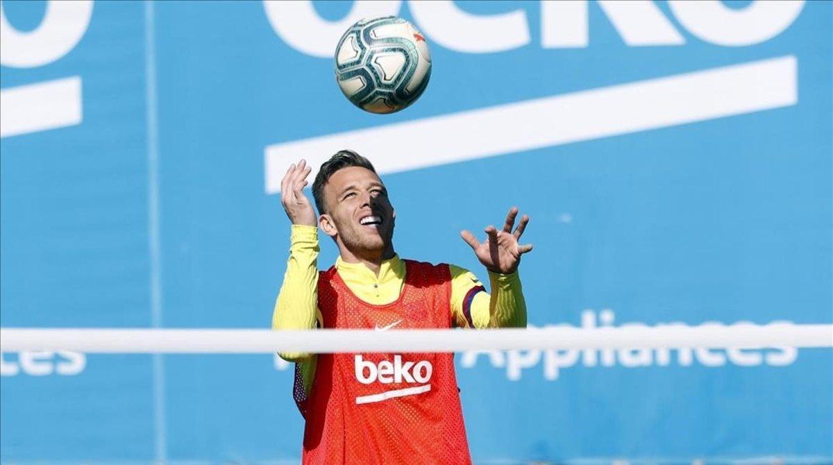 Arthur Melo, en el último entrenamiento del FC Barcelona.