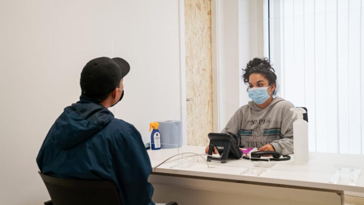 Un total de cuatro entidades ofrecen apoyo a las personas refugiadas en Barcelona.