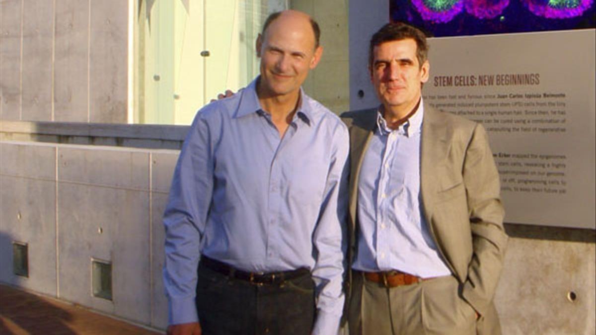 Juan Carlos Izpisúa Belmonte, a la izquierda, junto a Josep Maria Campistol.
