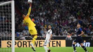 Areola evitó el gol de Alemania