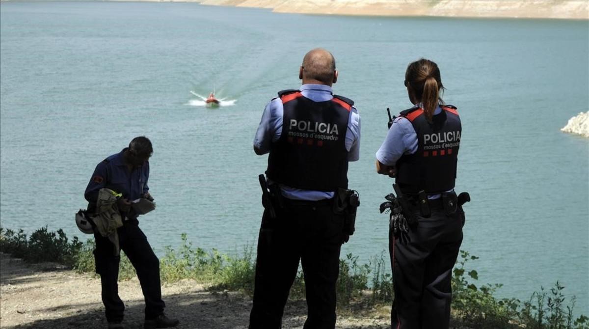 Policía en el pantano Susqueda.