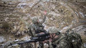 Soldados turcos en una operación militar.