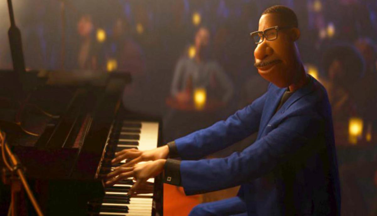 El protagonista de 'Soul' tocando el piano