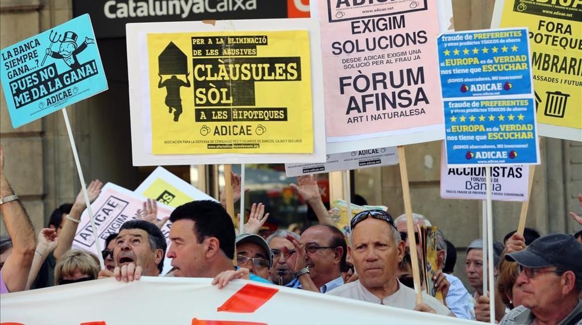 Concentración de afectados por preferentes y cláusulas suelo en Barcelona.