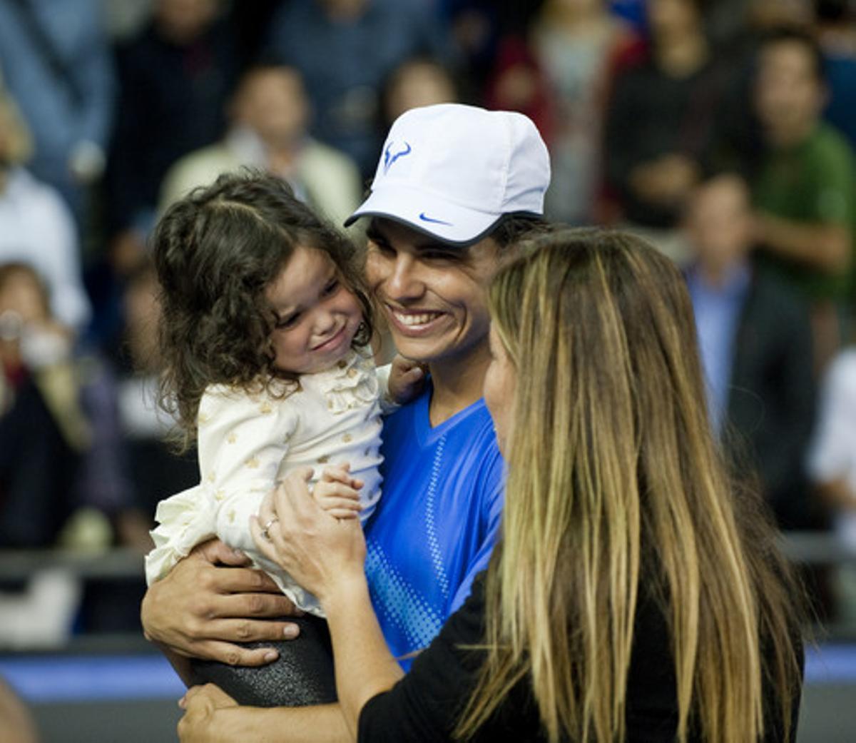 Arantxa Sánchez Vicario con su hija y Rafa Nadal, en el homenaje a Andrés Gimeno.