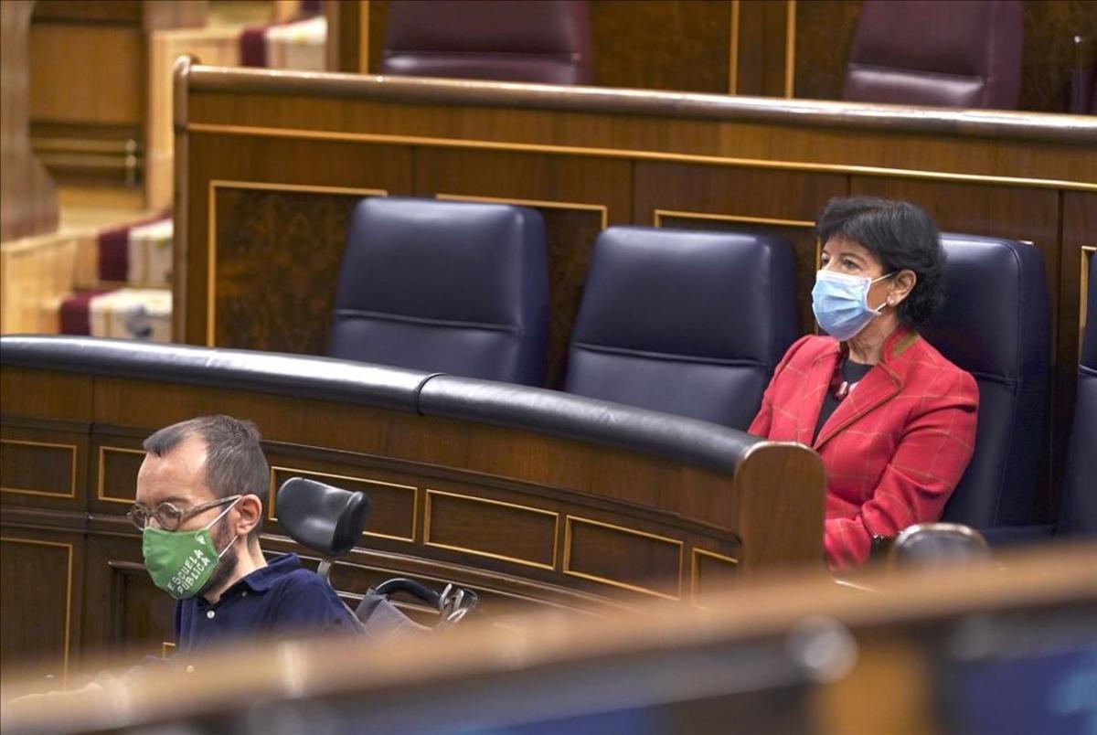 Pleno del Congreso de los Diputados , en la imagenIsabel Celaáy Echenique.