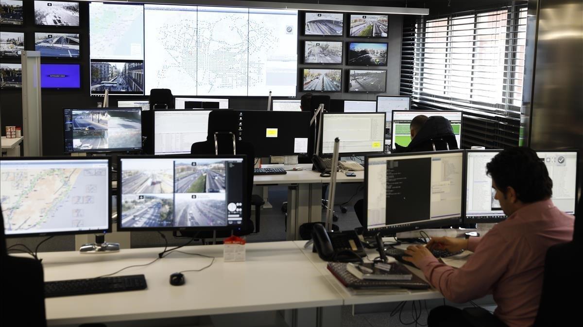 Instal·lades i a punt les 36 primeres càmeres que controlaran la Zona de Baixes Emissions