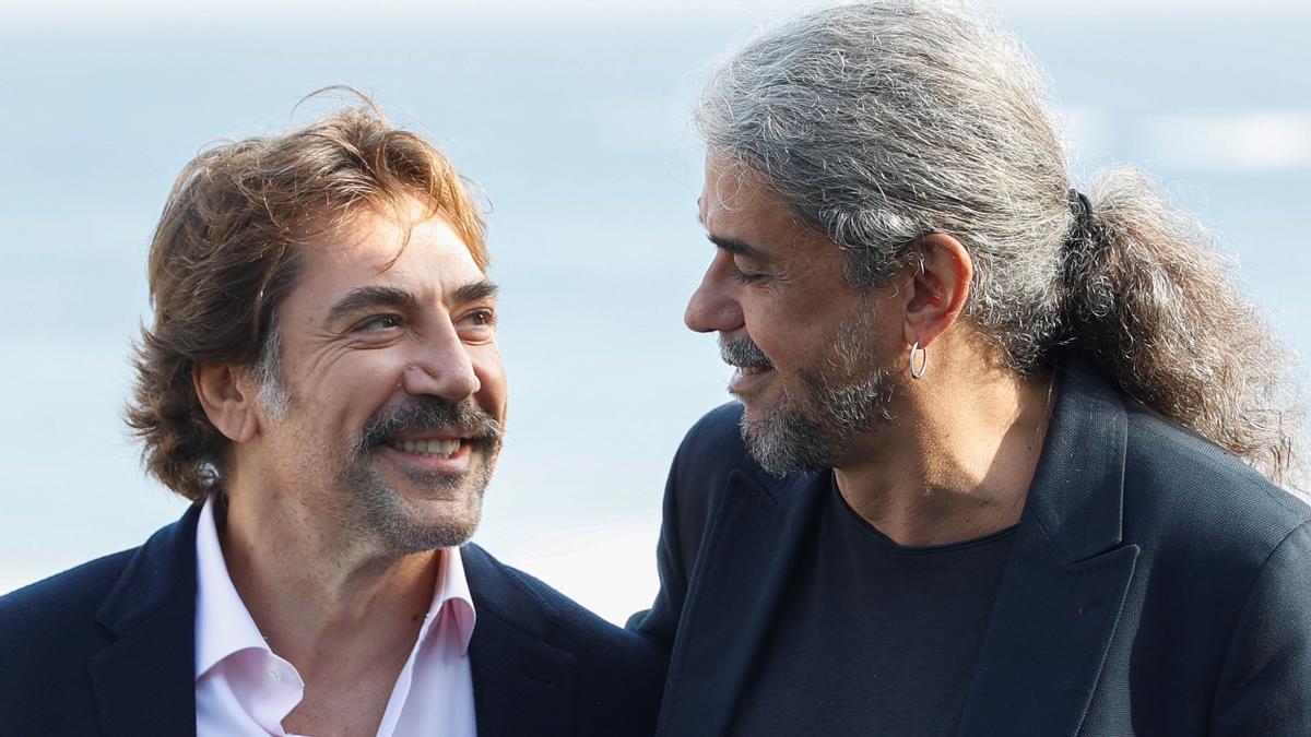 Javier Bardem y Fernando León de Aranoa, tras la presentación de 'El buen patrón' en San Sebastián
