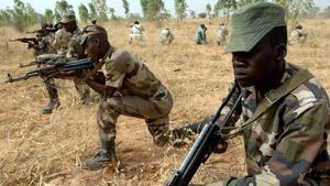 Militares nigerinos en una sesión de entrenamiento.