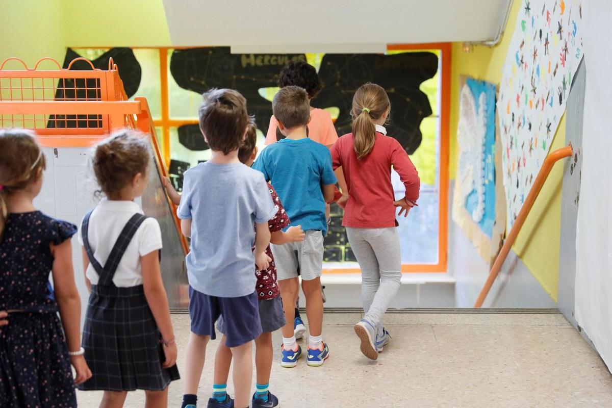 Imagen de archivo de niños de un colegio.
