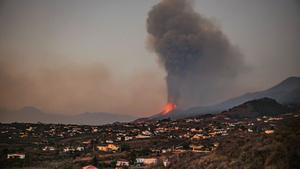 Tornen les explosions en l'erupció de La Palma