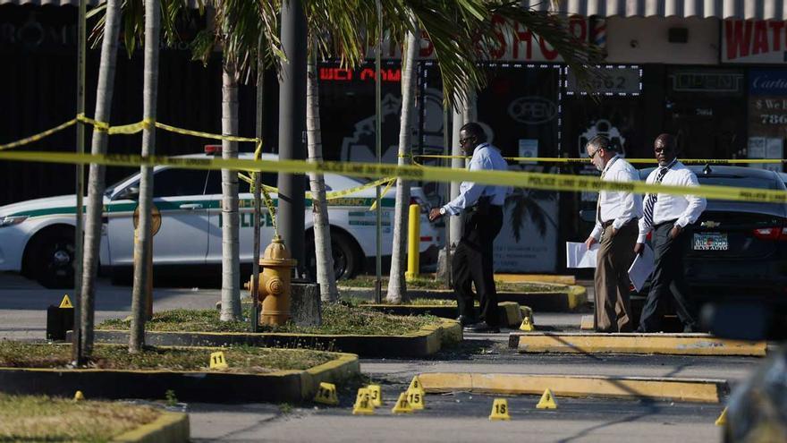 Un muerto y ocho heridos, incluidos dos menores, en un tiroteo en EEUU