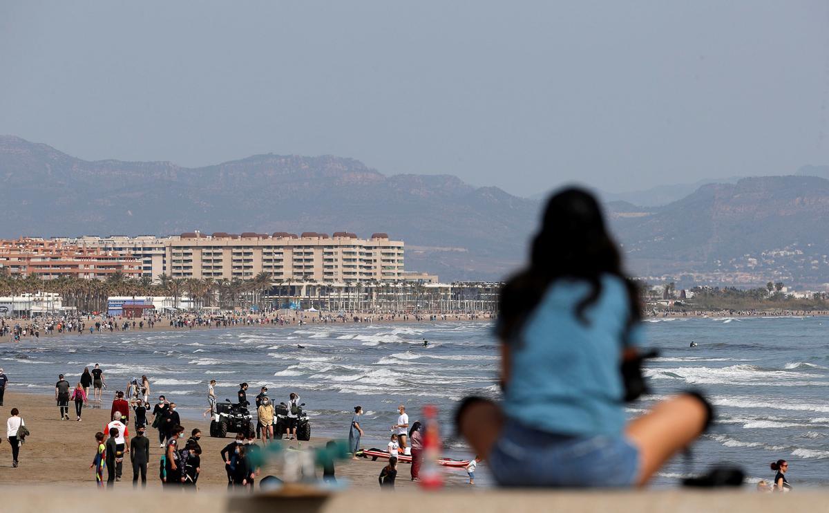La Justícia avala el toc de queda al País Valencià però no a Euskadi