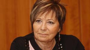 La exministra Celia Villalobos se pregunta si los dirigentes van a tener que ser pobres de solemnidad o de clausura.