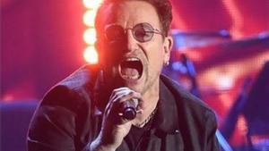 El cantante Bono está muy concienciado con la enfermedad desde que su padre falleció de cáncer en 2001.