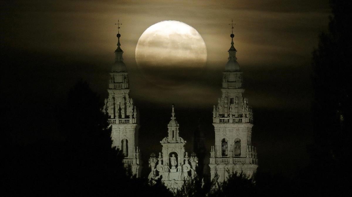 Vista de la catedral de Santiago de Compostela, uno de los destinos de 'Escápate cerca'.