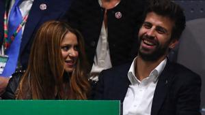 Gerard Piqué junto a Shakira en la final de la Copa Davis.