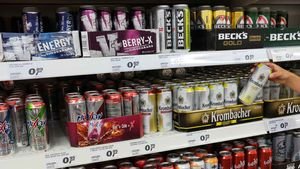 Bebidas energéticas en un supermercado.
