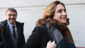 La alcaldesa de Barcelona, Ada Colau, este martes 7 de enero llegando al Congreso