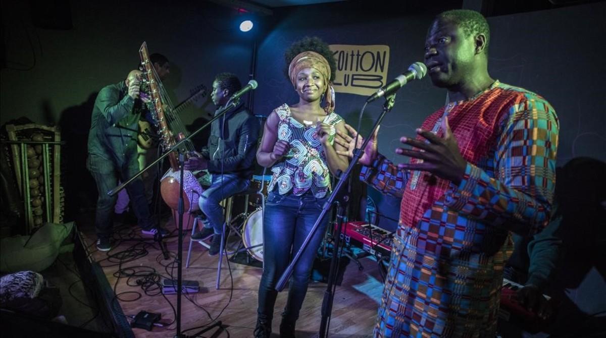 Concierto de músicas africanas en el Koitton Club, en Sants.