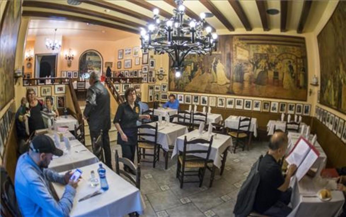 Can Culleretes (Quintana, 5) es, según el libro Guiness de los Récords, el segundo restaurante más antiguo de España y el primero de Catalunya.