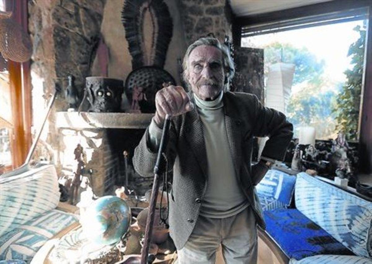 El explorador madrileño,en su casa de Pozuelo de Alarcón, la semana pasada.