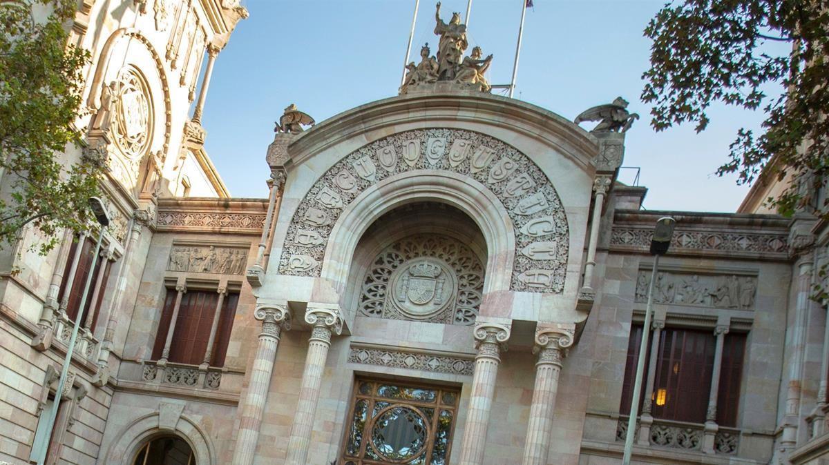 Fachada del Tribunal Superior de Justícia de Catalunya.