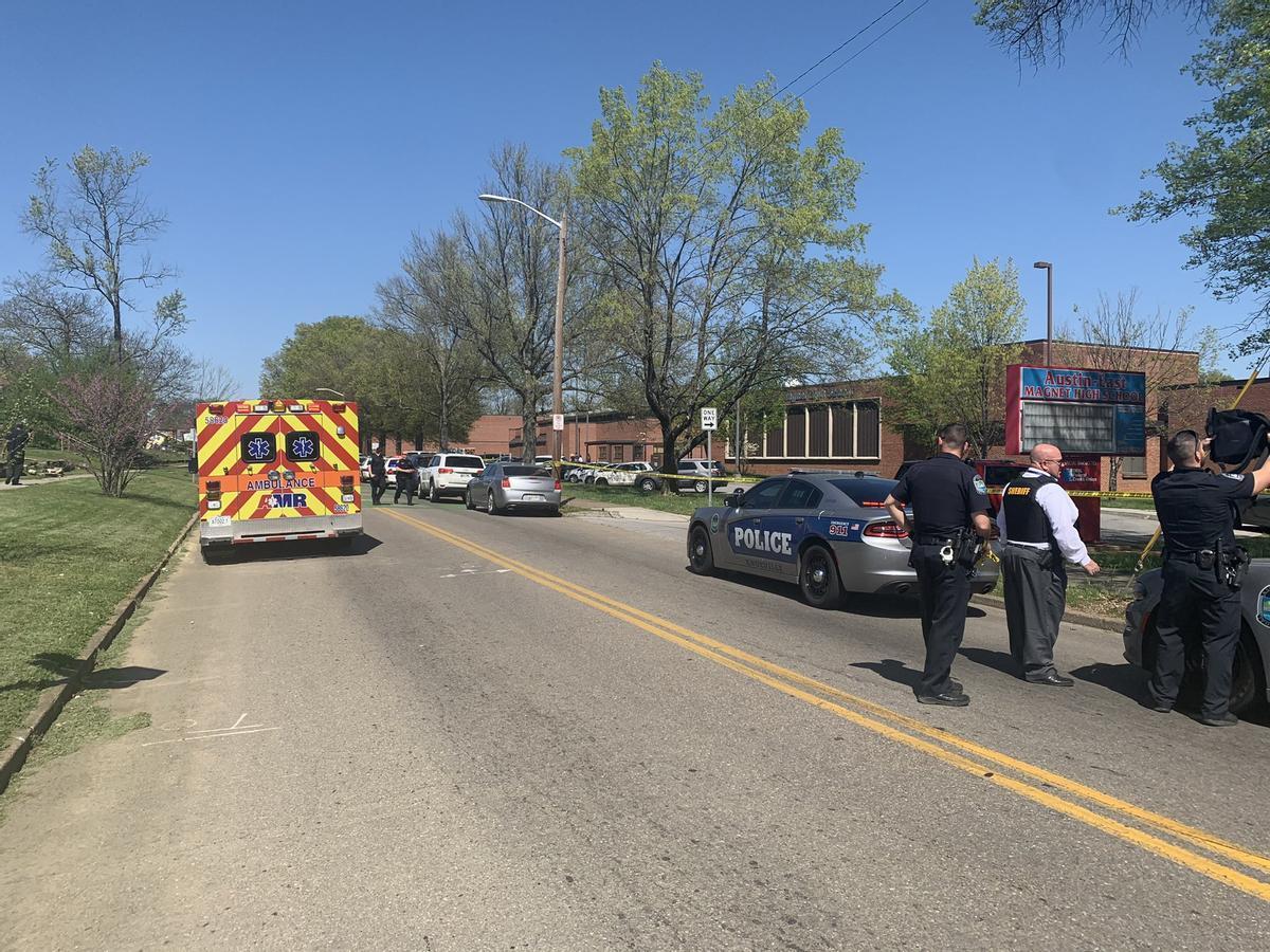 El instituto Austin-East Magnet,en Tennessee,  donde se han producido los disparos.