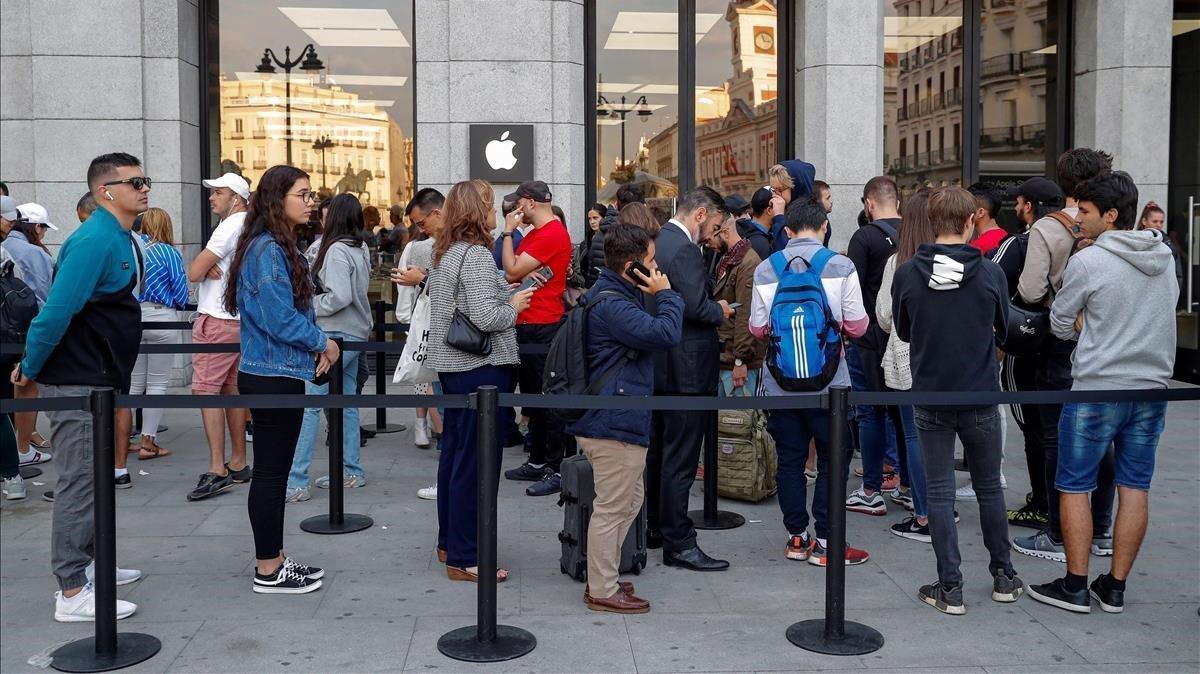 Apple tancarà aquest dilluns les seves quatre botigues de Madrid