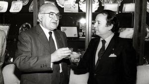 El brindis de Manuel Meler y Josep Lluís Núñez, en los primeros años 80.