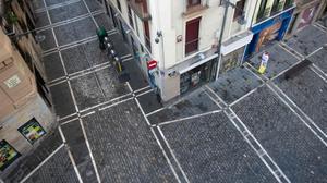 Calles de Pamplona vacías durante los sanfermines cancelados de este año.