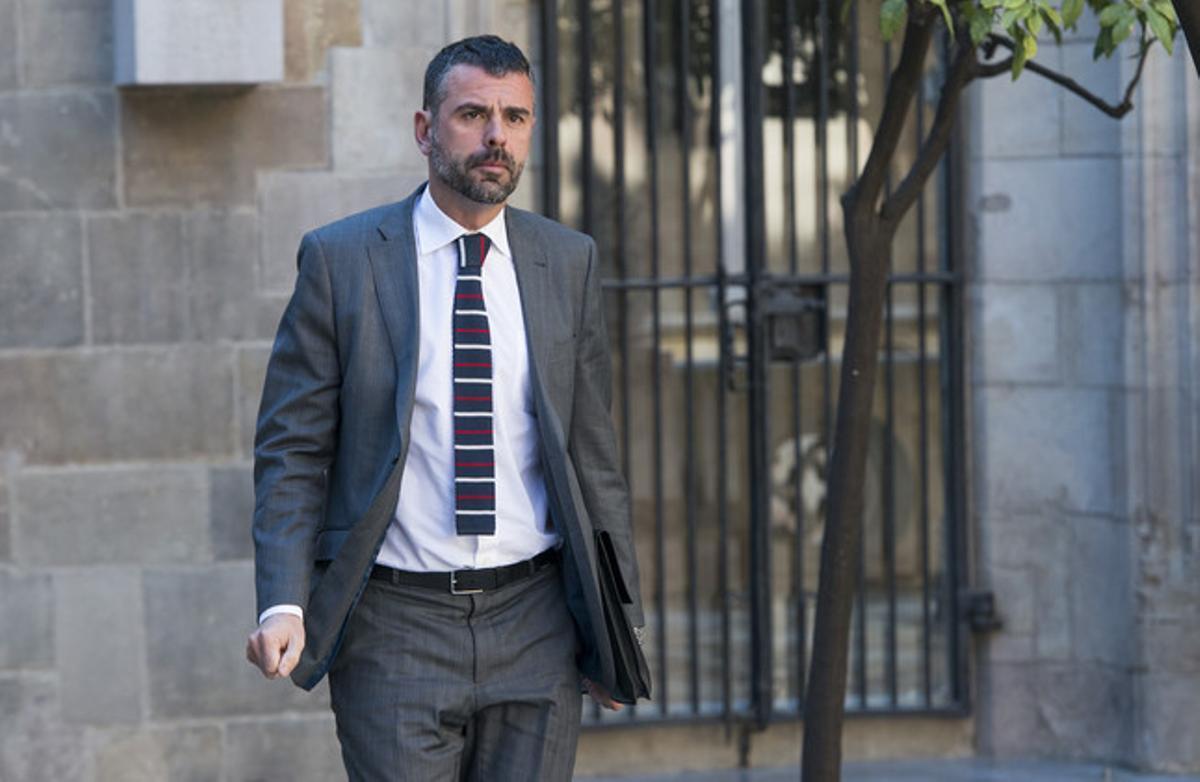 El 'conseller' de Territori, Santi Vila, el pasado abril, en el Palau de la Generalitat.
