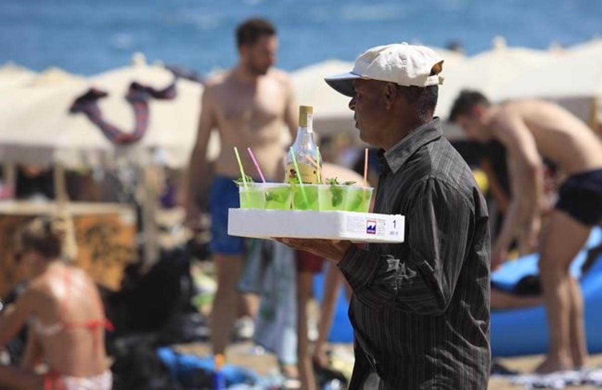 Mojitos amb bacteris fecals a les platges de Barcelona