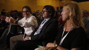 Artur Mas, Carles Puigdemont y Neus Munté, en el congreso de refundación de CDC el 8 de julio del 2016.