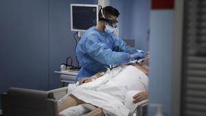 Unidad de cuidados intensivos (ucis) con enfermos de coronavirus del Hospital de Sant Pau.
