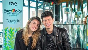 Amaia y Alfred, en la presentación de su actuación en el Festival e Eurovisión, en Lisboa.