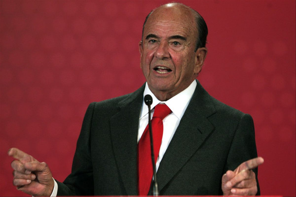 El presidente del grupo Santander, Emilio Botín, durante la rueda de prensa que ofreció este martes en la ciudad financiera del Santander para presentar los resultados de su banco.