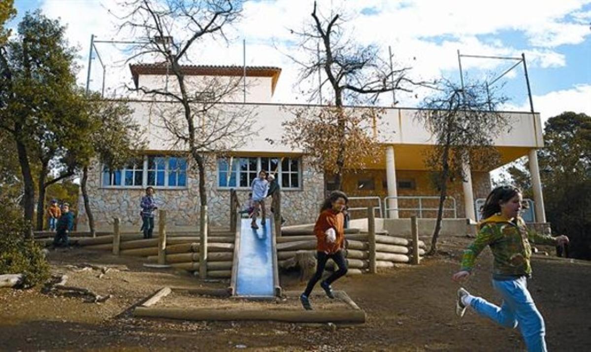 Recreo en la escuela Els Xiprers de Barcelona..