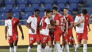 Los jugadores del Girona celebran el 1-2.