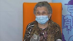 Una residente de Lleida, la primera en recibir la segunda dosis en Catalunya