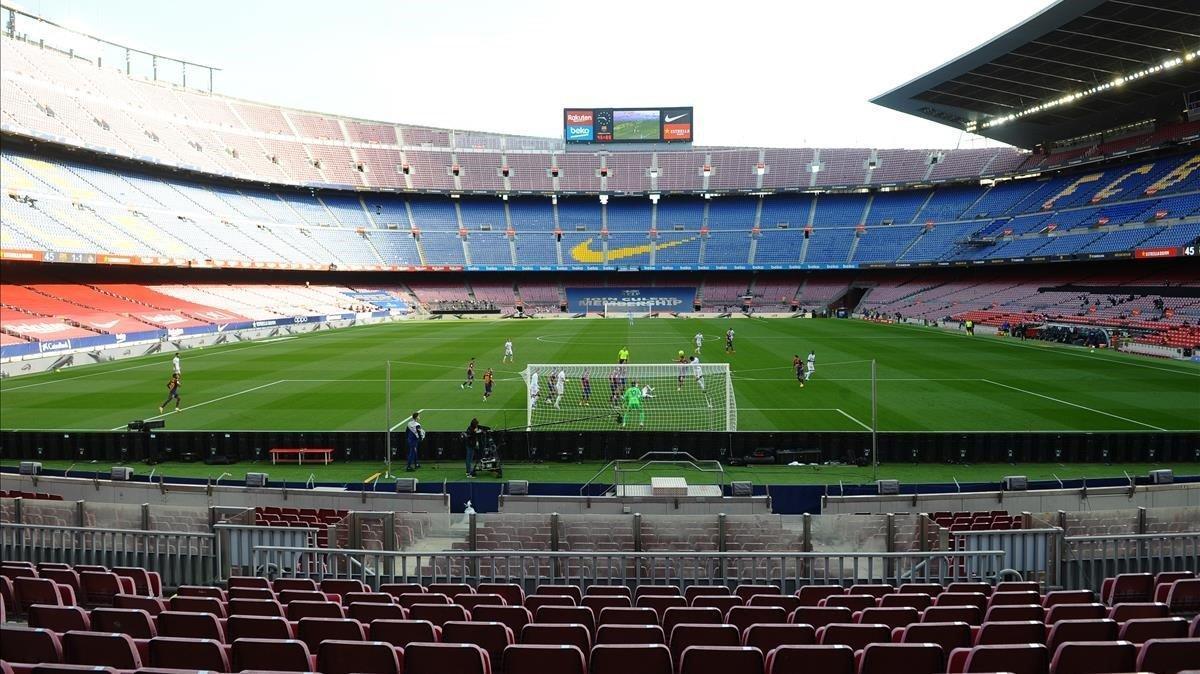 El Camp Nou, sin público durante el pasado clásico.