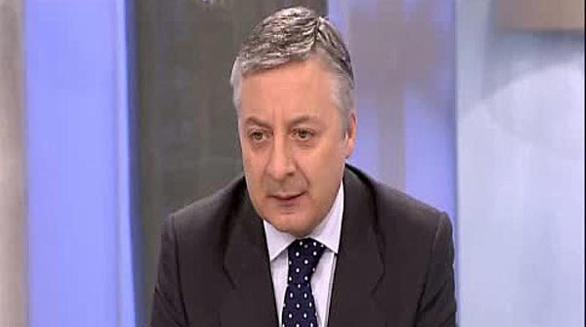 Los ministros del Gobierno viajamos en clase turista, ha dicho el ministro José Blanco
