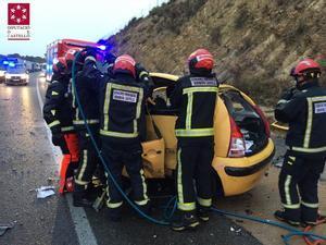 Tres morts i dos ferits en un brutal xoc entre dos cotxes a Castelló