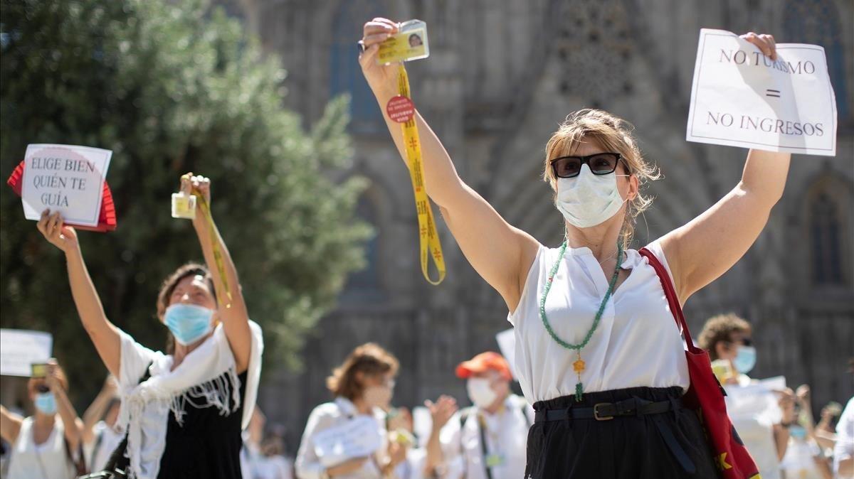 """""""No turistas, no ingresos"""": los guías de Barcelona protestan por el parón del covid"""