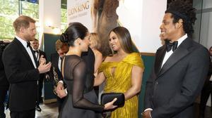 Beyoncé y Meghan Markle brillan en el estreno de 'El Rey León'