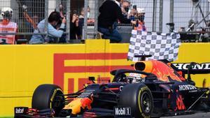 Max Verstappen (Red Bull) gana en el caótico GP de Emilia Romagna